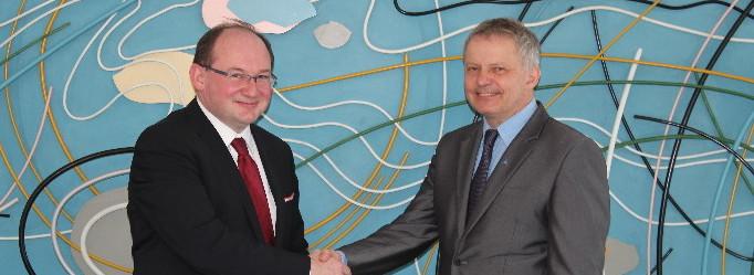 Univerzita navázala strategické partnerství s firmou Diebold-Nixdorf