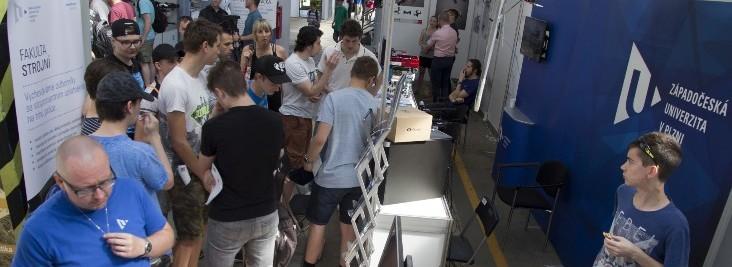 Technické fakulty se představily na DronFestu
