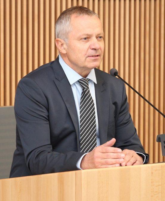 Univerzitu i další čtyři roky povede dosavadní rektor Miroslav Holeček