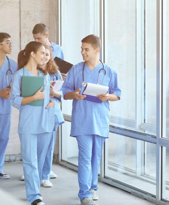 Studenti Západočeské univerzity pomůžou v nemocnicích